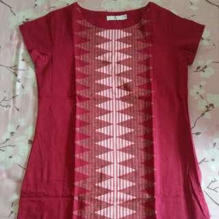 Dress etnik merah