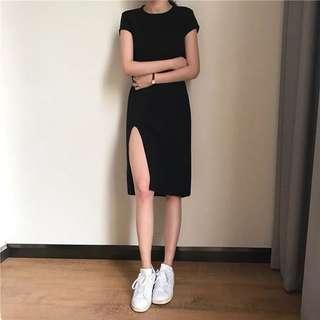 現貨❌側開叉小黑裙韓版氣質純色短袖圓領性感中長款顯瘦修身套頭連衣裙👗