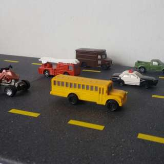 Safari Ltd On The Road Hand Printed Toy Car Figurines