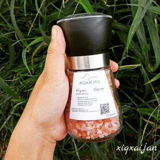 Himalayan salt with grinder