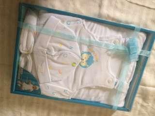 Baby set (t-shirt, baju kodok, topi, sepatu)