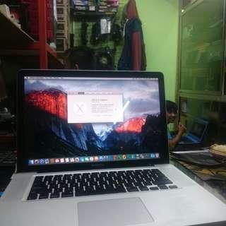 Macbook pro 15,4 inch cocok buat render n design