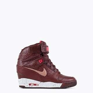 Nike W Air Revolution Sky Hi FW QS Milan