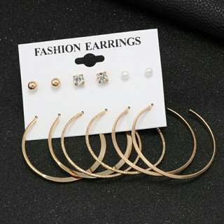 set anting hoops and stood