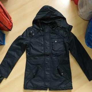 Chevignon深藍黑外套