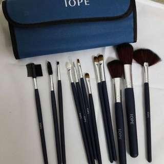 IOPE 12in1 Makeup Brush Set