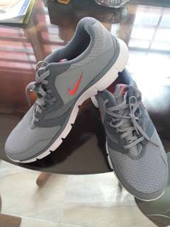 Nike Flex Experience RN3 - Grey Graphite Running Shoes