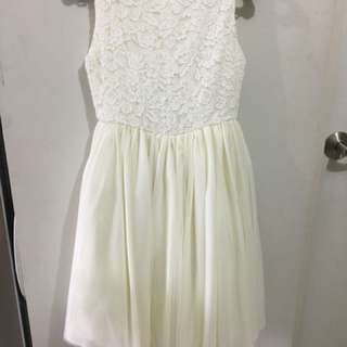 Ekroo Dirty White/Beige gown