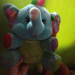 boneka gajah bunyi