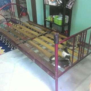 Katil single bed frame kayu