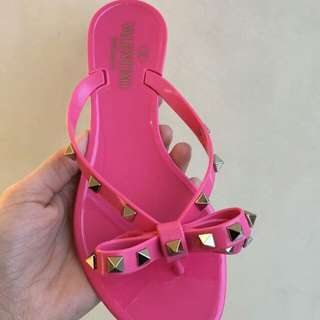Valentino Thong Sandals Pink.Colour