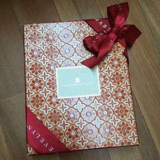 Crabtree & Evelyn hand cream box
