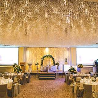Fullerton Hotel Ballroom Overall Wedding Decoration