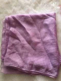 Jilbab segiempat ungu