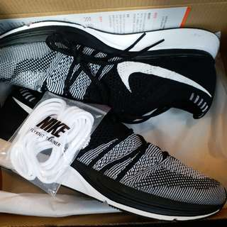 Nike Flyknit trainer black us7, US 7.5