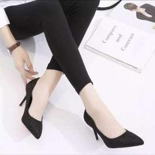 黑色細高跟鞋