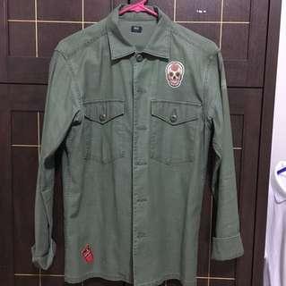 Men's Uniqlo Button-Down Shirt w/ patches