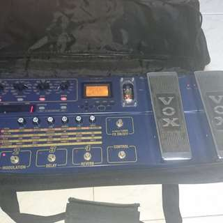 Vox tonelab se. Condition 9/10 comes with the vox tonelab se bag. No cables included.