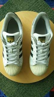 Adidas superstar size 41,5