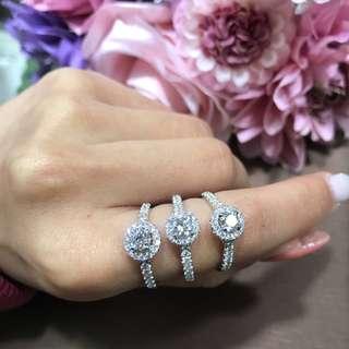 圍石鑽石戒指