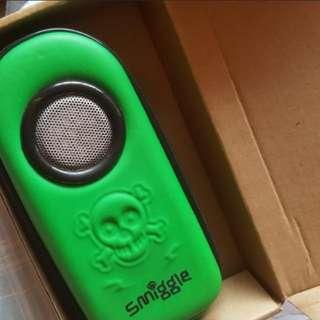 BN) smiggle pencil case + portable speaker