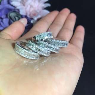 天然鑽石戒指