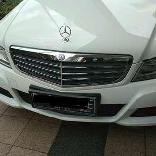 Mercy Mercy Dinego aja ! jual Mobil Mercedes Benz Putih Km 15rb  2011 bulan 9 - C200 classic - Merci Mercy