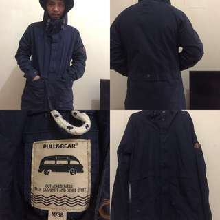 PULL AND BEAR PARKA.