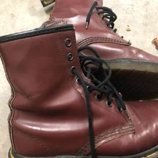 Dr Martens boot cherry red
