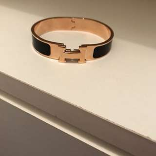Fake Hermes bracelet