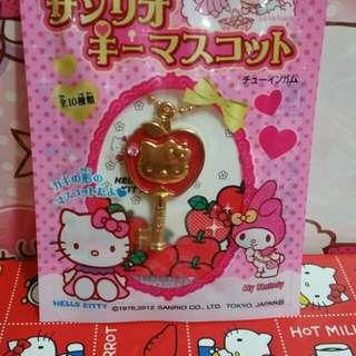 Hello kitty 吊飾(包平郵)A