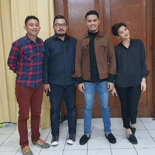 Home Band, Accoustic Band, Wedding & Event Singer