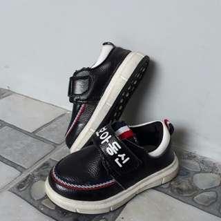 Sepatu impor bayi laki-laki 1 years  Xinfeil size : 21