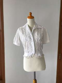 VTG 1950s White Lace Blouse with Puff Sleeves. XS-M