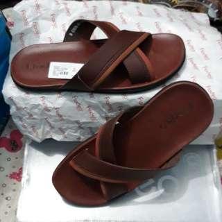 Sandal pladeo size 40 ..