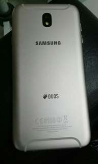 Selling may samsung j7pro 3months old rose gold