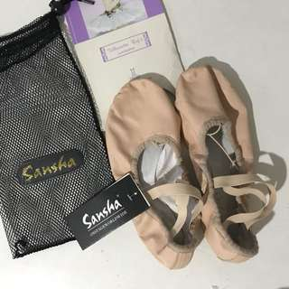 Ballet shoes / ballet softshoes / ballet slippers