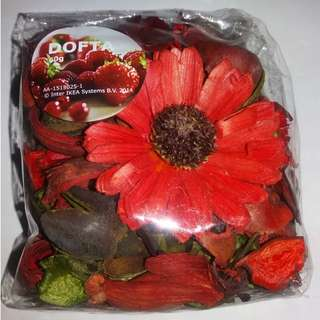 QYOP Strawberry Scented Potpourri
