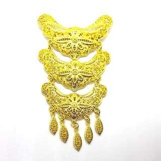 Kebaya Brooch In Gold design N