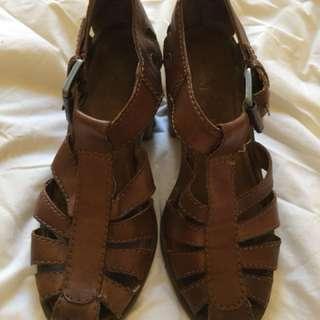 Tan block heel shoes