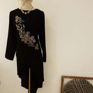 Long sleeve emboidery top (fish tail)