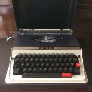 Vintage portable Universal typewriter made in Japan