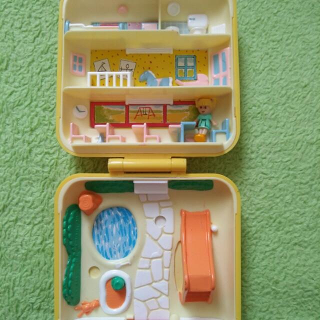 1989 Polly Pocket Midge Playschool no doll
