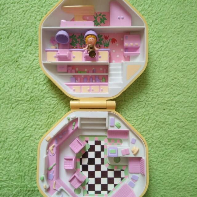 1990 Polly Pocket Hairdressing Salon No doll