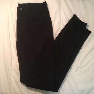 UNIQLO BLACK LEGGINGS PANTS