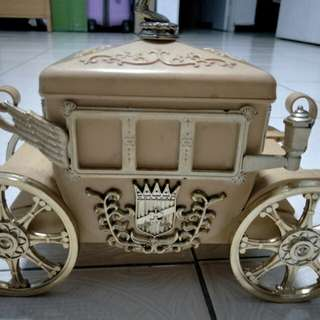 Hennessy carriage