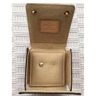 Louis Vuitton **18K gold** Earring + case