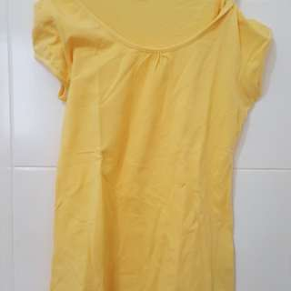 T shirt yellow size S