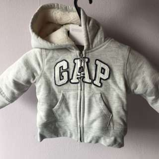 GAP's baby sweater size 6-12 months (2 units available)