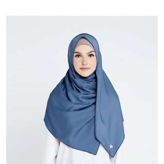 Snowy square in jeans by hijabprincess